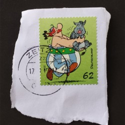 Obelix-Briefmarke mit Kuschel-Wildschwein.
