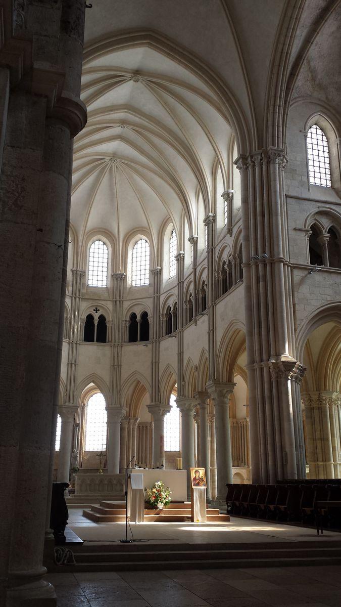 Chorraum der Basilique Sainte-Marie-Madeleine de Vézelay