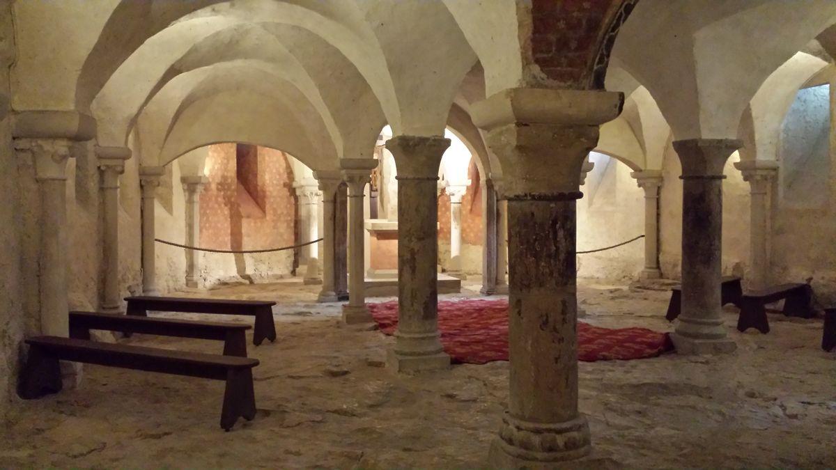 Krypta der Basilique Sainte-Marie-Madeleine de Vézelay