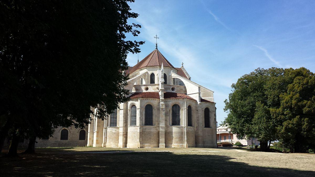 Ostfassade der Basilique Sainte-Marie-Madeleine de Vézelay