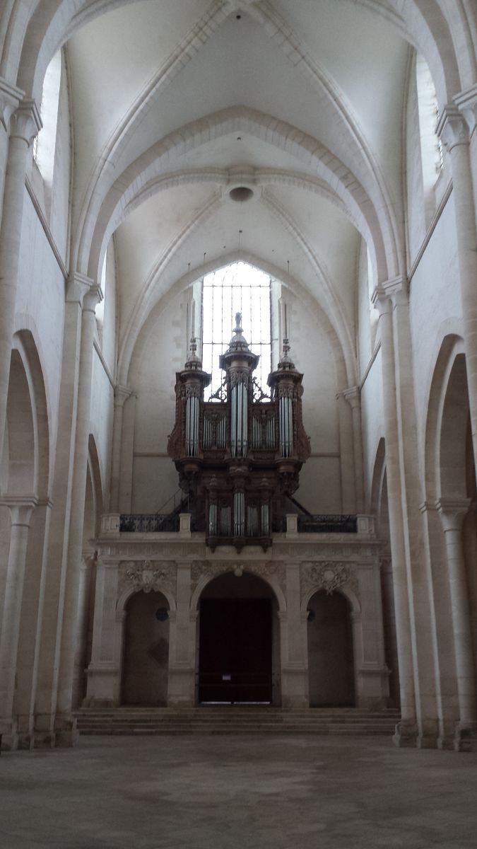 Orgelempore in der Abbaye de Pontigny