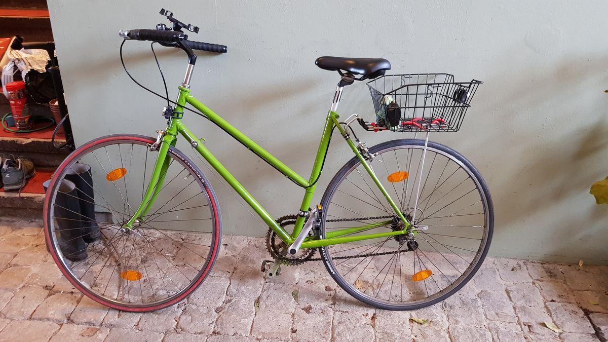 Fast fertig überholtes Damenrennrad